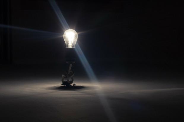 lightbulb-336193_1920