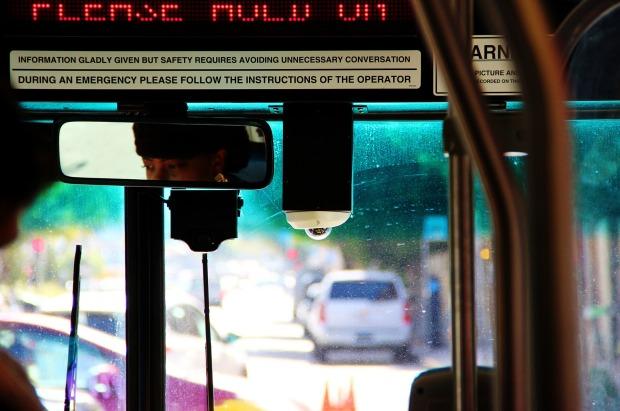 bus-991044_1920